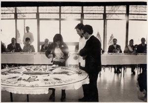 2ª promoción servindo tarta á madriña 21 01 1969